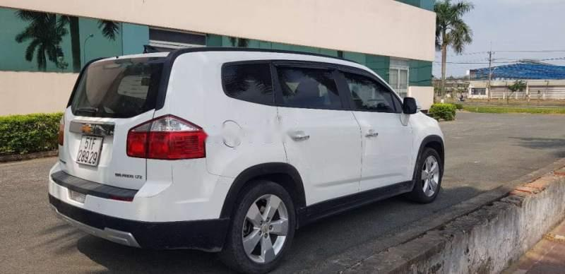 Cần bán gấp Chevrolet Orlando LTZ sản xuất năm 2015, màu trắng
