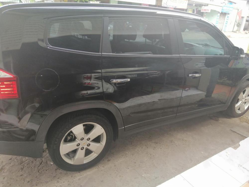 Bán Chevrolet Orlando LTZ sản xuất 2017, màu đen số sàn, giá chỉ 579 triệu