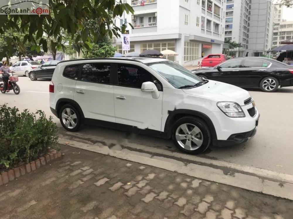 Cần bán Chevrolet Orlando Ltz sản xuất năm 2017, màu trắng