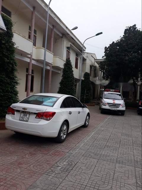Bán Chevrolet Cruze 2014, màu trắng xe gia đình, giá tốt