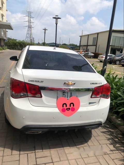 Bán Chevrolet Cruze đời 2011, màu trắng số tự động, giá chỉ 345 triệu