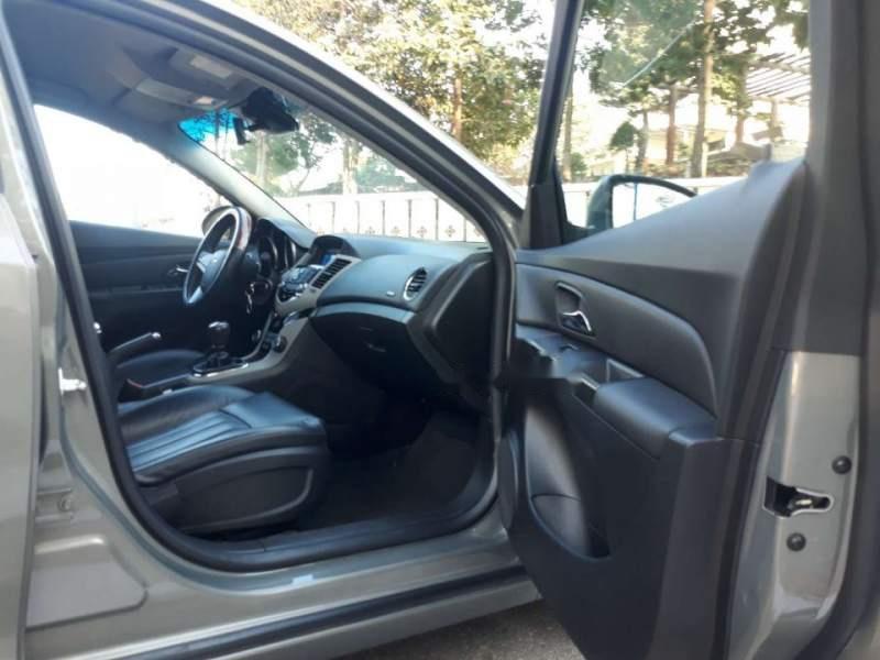 Bán Chevrolet Cruze LT 2016, màu xám, số sàn, 425 triệu