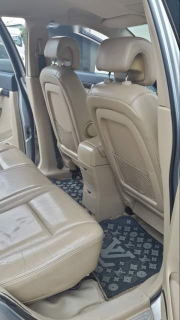 Cần bán xe Chevrolet Captiva sản xuất năm 2008, màu bạc