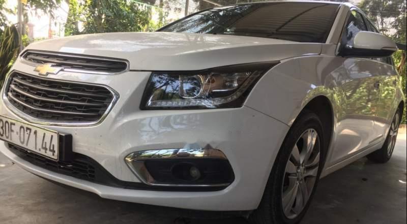 Bán Chevrolet Cruze LTZ 2017, màu trắng, xe gia đình