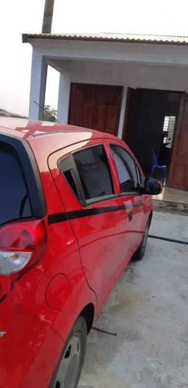 Cần bán Chevrolet Spark đời 2017, màu đỏ, xe đẹp