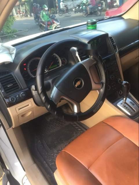 Cần bán gấp Chevrolet Captiva sản xuất năm 2009, màu trắng,