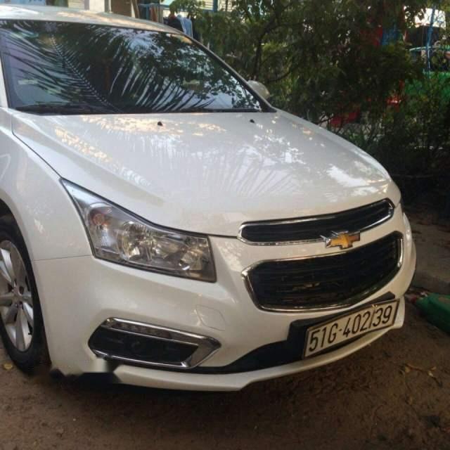 Bán xe ô tô Chevrolet Cruze 2017, số sàn 5 chỗ, xe đẹp