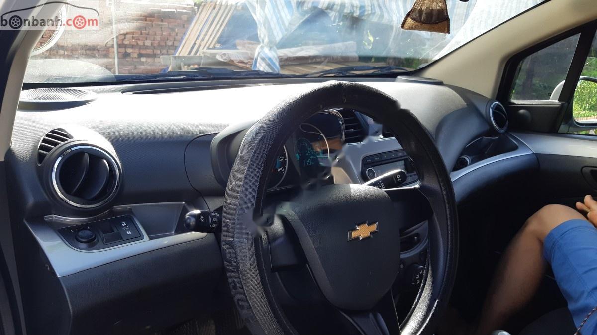 Bán ô tô Chevrolet Spark năm 2018, màu trắng còn mới giá cạnh tranh