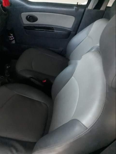 Cần bán xe Chevrolet Spark sản xuất năm 2009, máy còn chất do bảo dưỡng thường xuyên