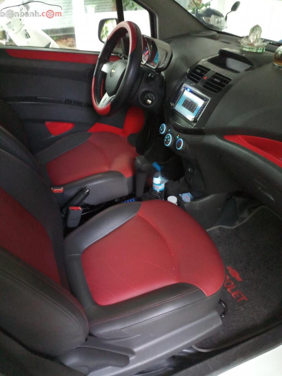 Bán Chevrolet Spark LTZ 1.0 đời 2014, màu trắng xe gia đình