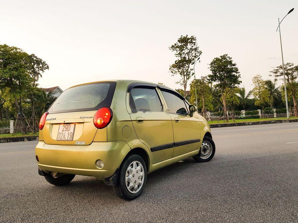Bán xe Chevrolet Spark sản xuất 2013, màu vàng chanh
