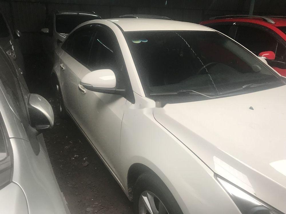 Bán xe Chevrolet Cruze 2017, màu trắng