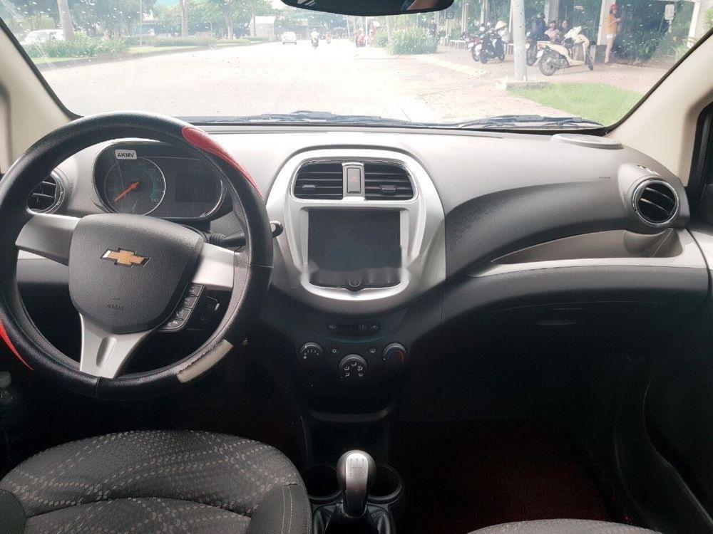 Cần bán Chevrolet Spark 2018, màu trắng, giá cạnh tranh
