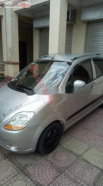 Cần bán xe Chevrolet Spark sản xuất 2010, màu bạc