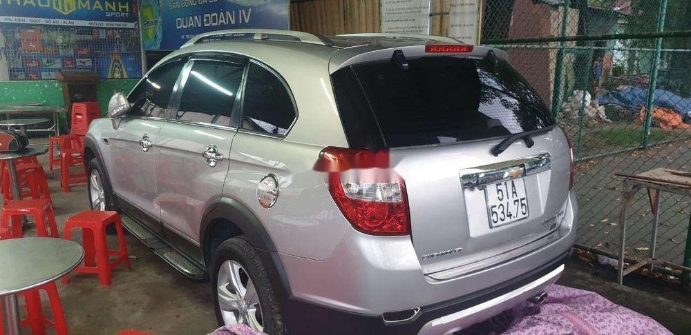 Bán Chevrolet Captiva sản xuất 2013, màu bạc còn mới