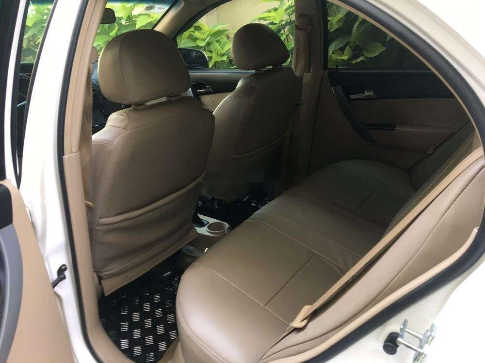 Bán ô tô Chevrolet Aveo sản xuất 2013, màu trắng xe nguyên bản