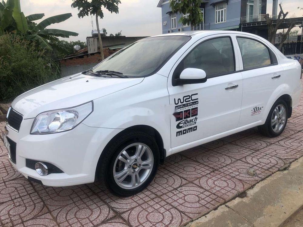 Bán Chevrolet Aveo sản xuất 2016, màu trắng, nhập khẩu nguyên chiếc