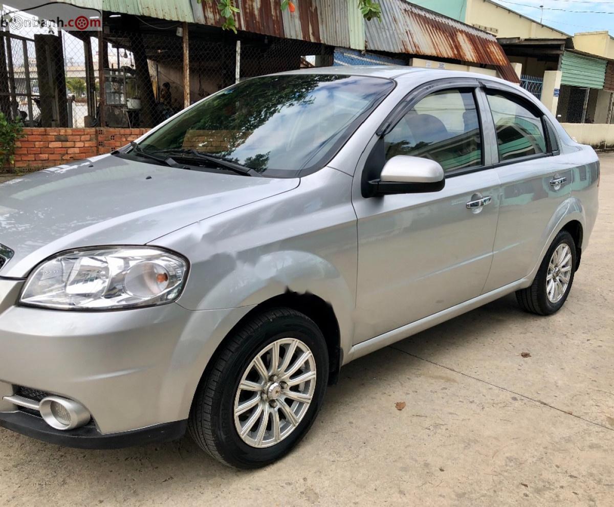 Cần bán xe Chevrolet Aveo 1.5 MT sản xuất năm 2012, màu bạc