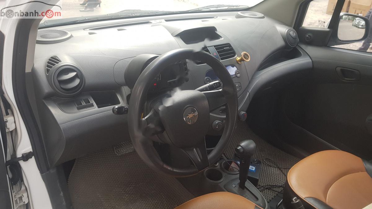 Bán Chevrolet Spark năm 2011, màu trắng, nhập khẩu