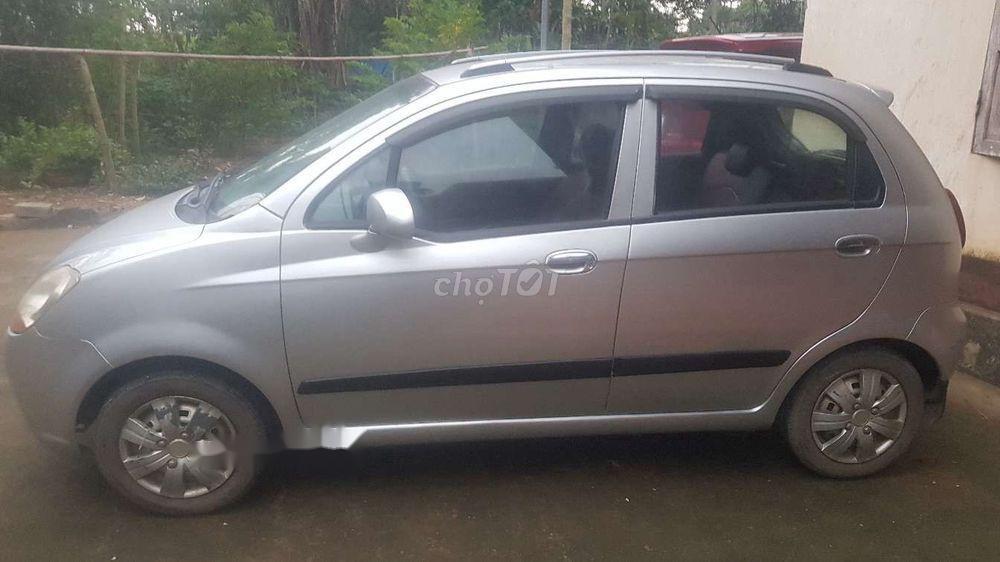 Cần bán gấp Chevrolet Spark sản xuất 2008, màu bạc số sàn