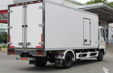 Xe tải Hino FC thùng bảo ôn 5m6, 6m7, 7m2, vay ngân hàng 80%