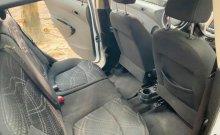 Cần bán lại xe Chevrolet Spark LT 1.2 MT năm sản xuất 2018, màu trắng xe gia đình giá 320 triệu tại Tp.HCM