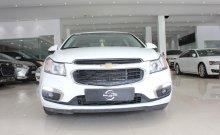 Cần bán Chevrolet Cruze LT đời 2017, màu trắng, giá chỉ 420 triệu giá 420 triệu tại Tp.HCM