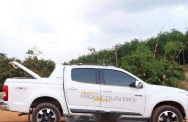 Bán xe Chevrolet Colorado High Country sản xuất năm 2015, màu trắng, nhập khẩu nguyên chiếc