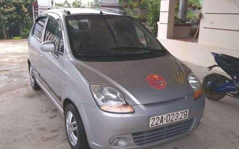Cần bán lại xe Chevrolet Spark năm sản xuất 2009, màu bạc giá 95 triệu tại Thái Nguyên